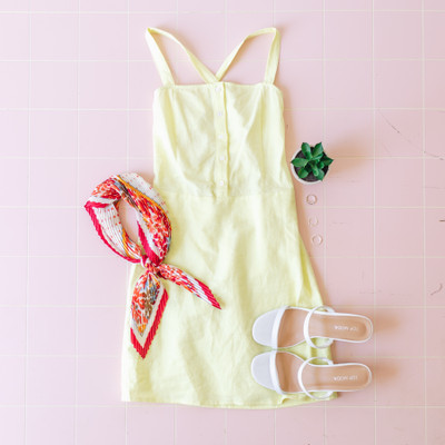 -Neon Yellow  -Front Button Details  -Square Neck  -Ties in Back  -Zipper Closure  -Lined     Model is Wearing Size Small     Material:  Self: 55% Linen  45% Cotton  Lining: 100% Cotton     E2560D DRESS YEL