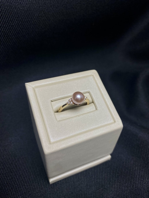 10kt Yellow Gold Freshwater Pearl and Diamond Ring