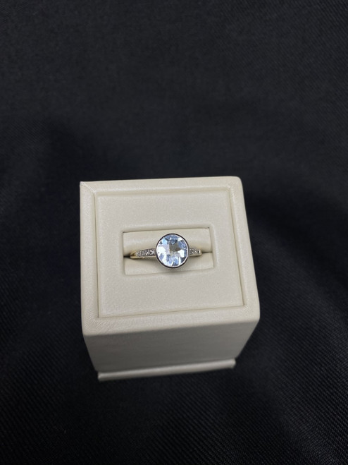 10kt Two Toned Aquamarine Ring with Diamonds