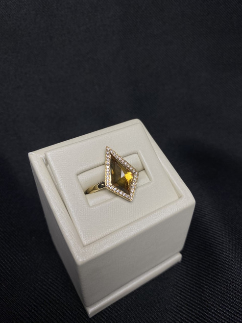14kt Yellow Gold Citrine Ring with Diamonds