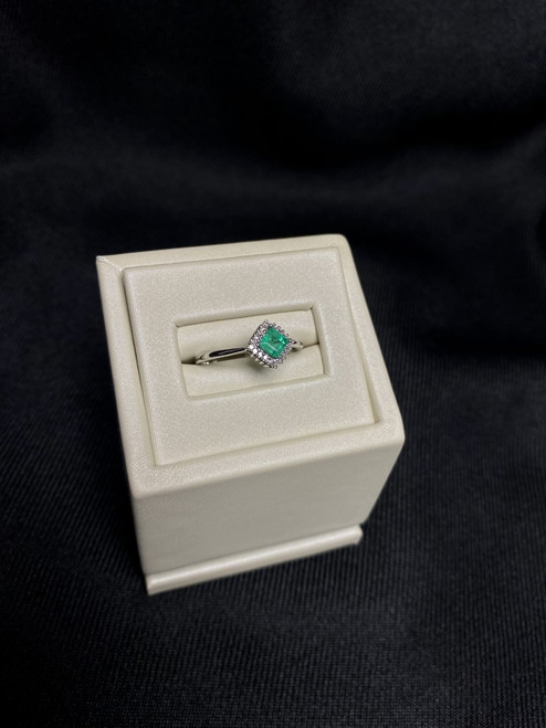 10kt White Gold Ring with Princess Cut Emerald with Dimaonds