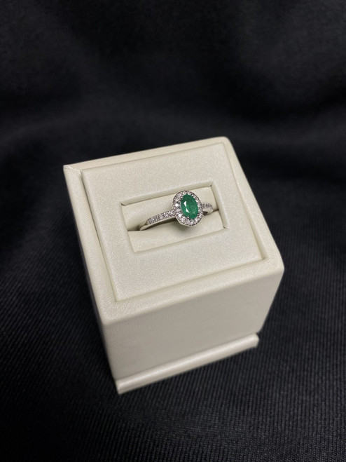 14kt White Gold Oval Emerald Ring with Diamond Halo