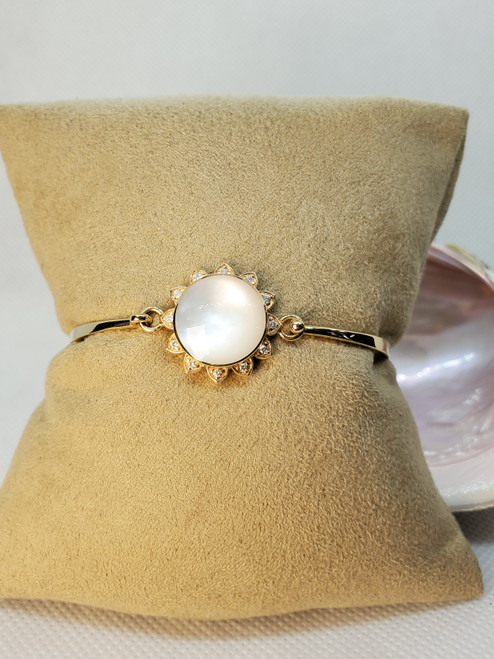 Kabana white mother of pearl diamond bracelet