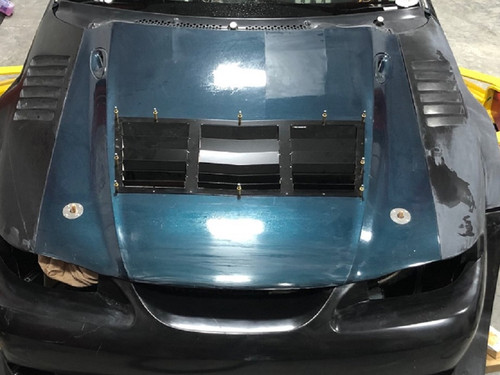 Race Louver GT500 Vent Replacement RT trim center car hood extractor is designed for street, high performance driving and track duty.