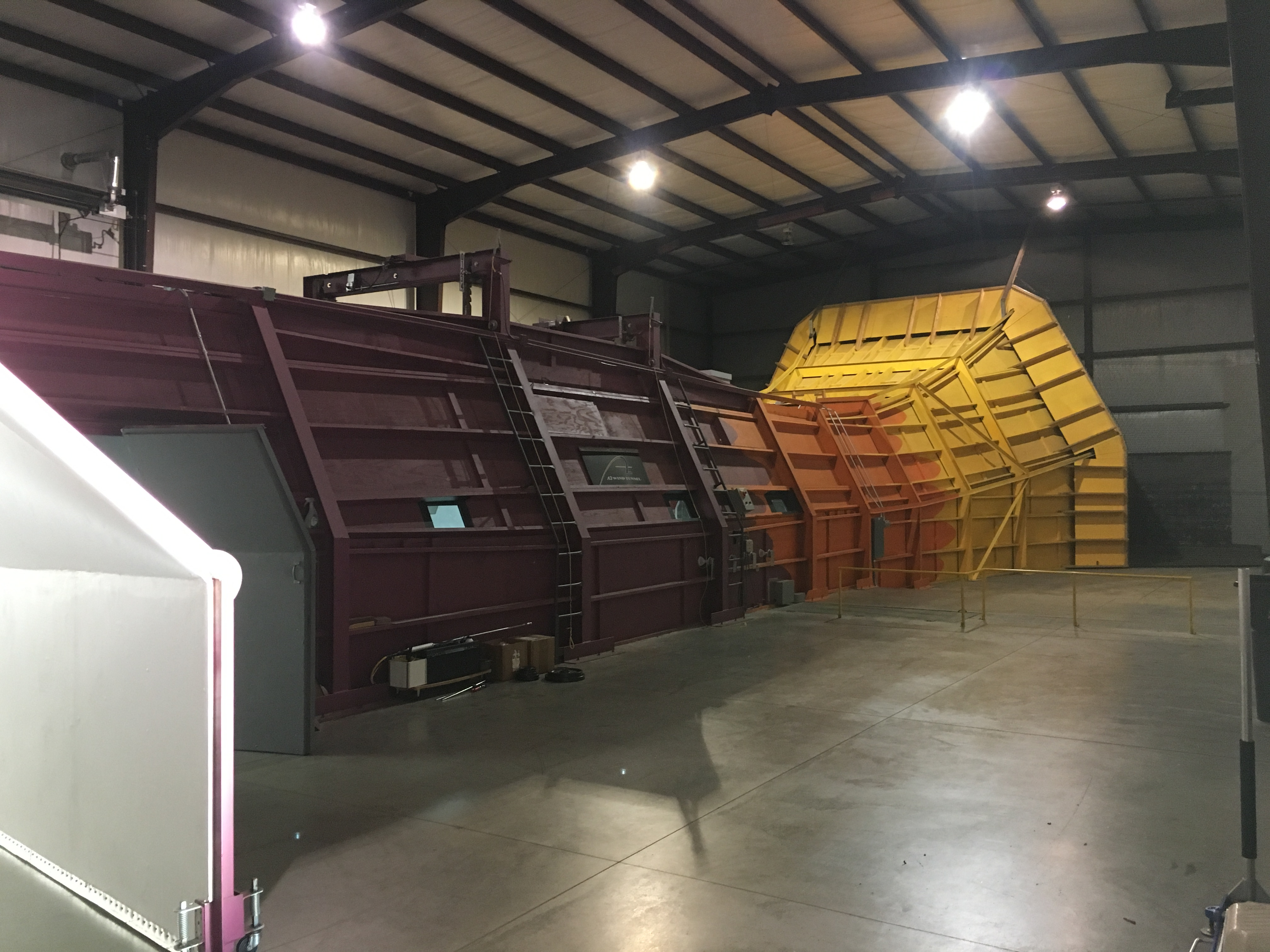 race-louvers-wind-tunnel-facility.jpg