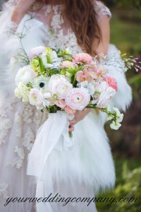 Muslin Fabic Bouquet Handle Accent