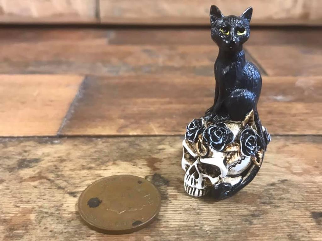 Miniature Talisman - Black Cat and Skull