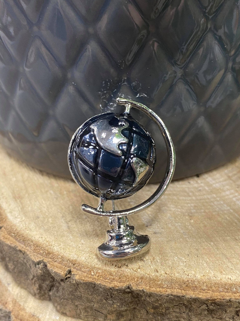 SILVER PLATED ENAMEL GLOBE BROOCH - Black and silver