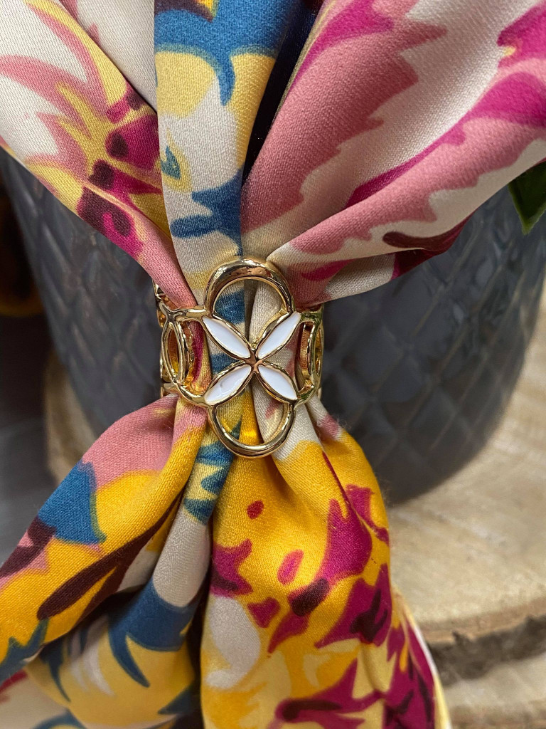 Painted Enamel Flower Scarf Ring - Gold