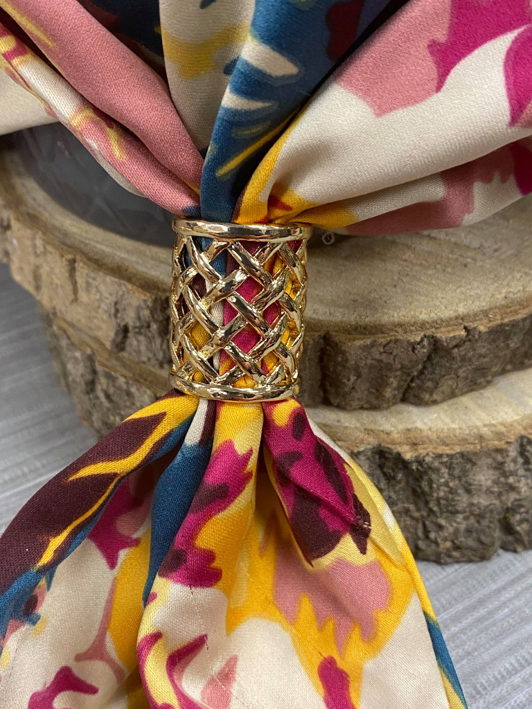 Criss Cross Cut Out Scarf Ring - Gold
