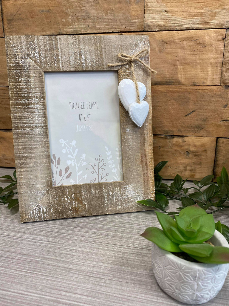 Driftwood Style Freestanding Photo Frame with White Hearts