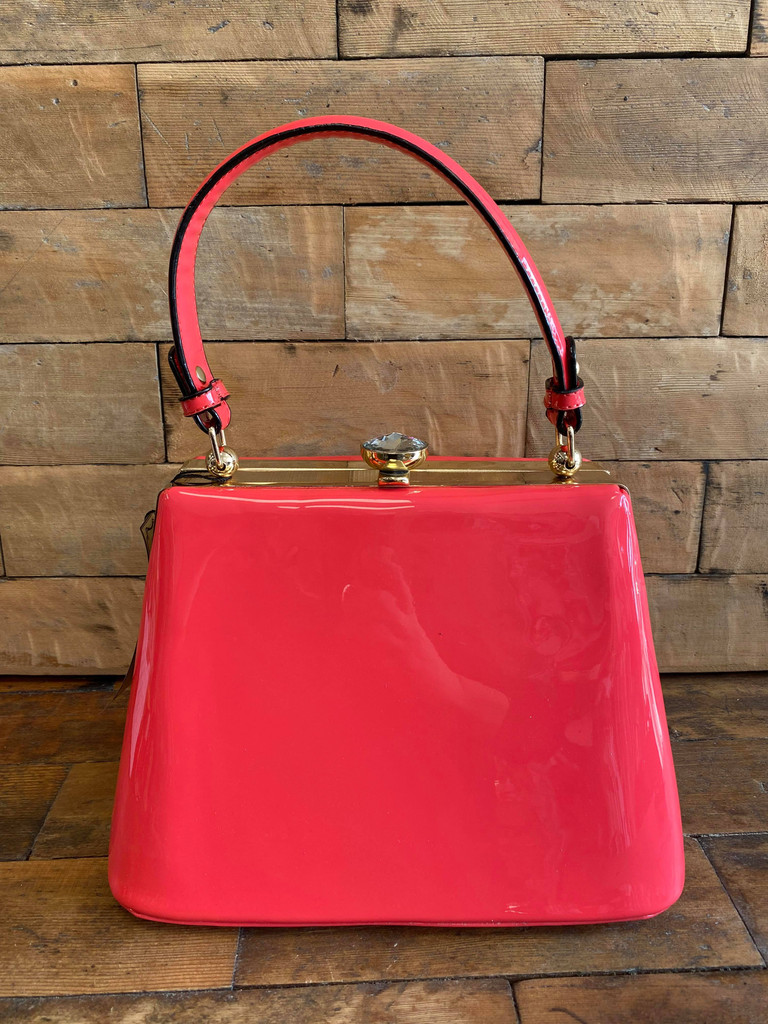 40S AND 50S CLASSIC TRAPEZOID SHAPED PINUP ROCKABILLY VINTAGE INSPIRED SHINY PATENT CLASSIC STYLE HANDBAG - HOT PINK