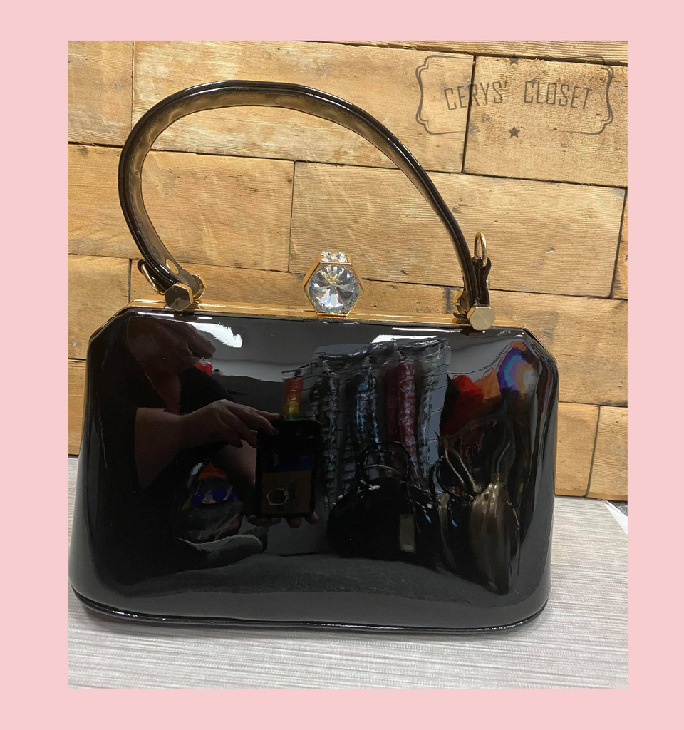 40S AND 50S CLASSIC PINUP ROCKABILLY VINTAGE INSPIRED PATENT HANDBAG WITH TOP HANDLES AND A DETACHABLE SHOULDER STRAP - Black