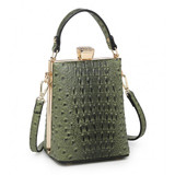 Faux Ostrich Clutch Bag With Diamante Clasp - Green