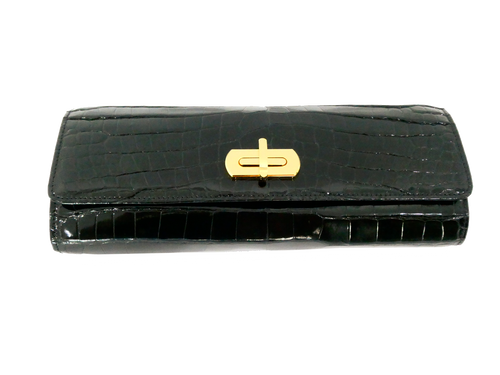 Medium Clutch with Clasp