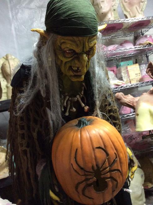 Pumpkin Witch Static