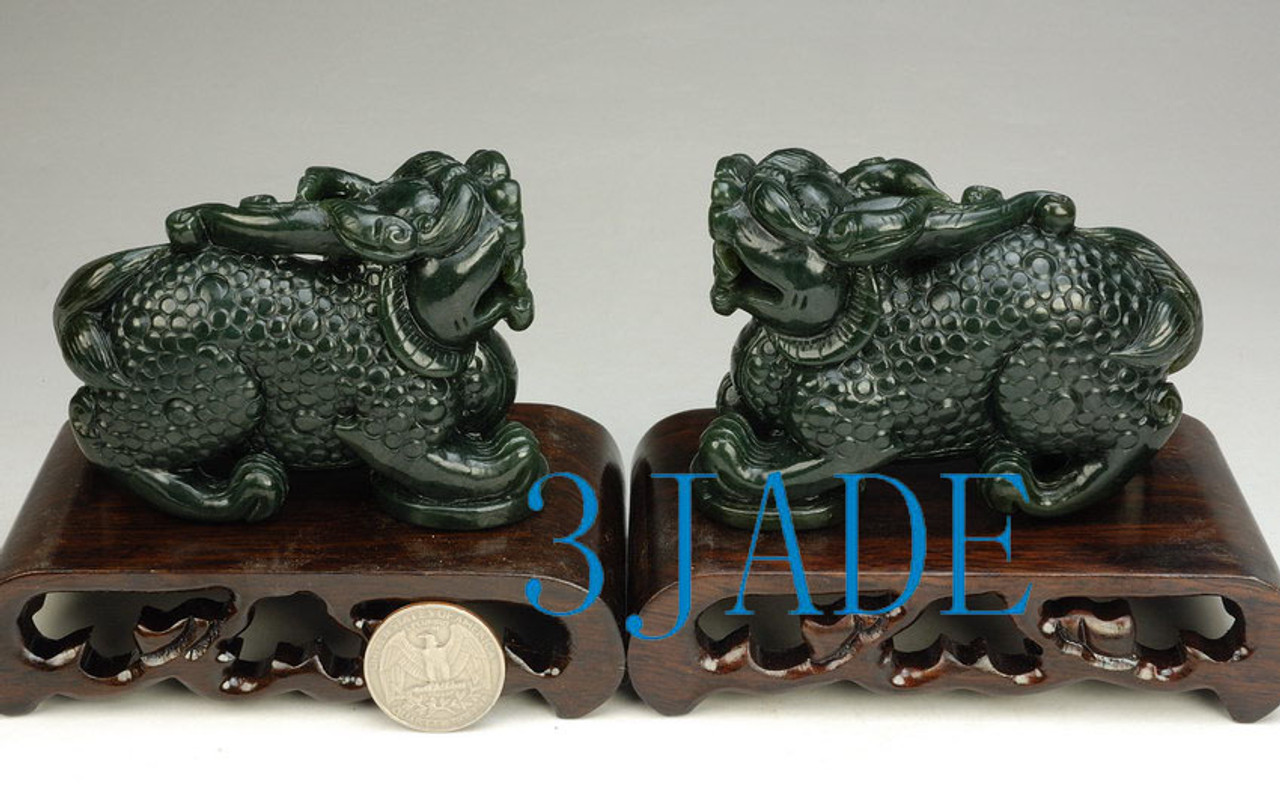 Very good Chinese  Natural Hand-carved Jade Pendant Pi Xiu Statue