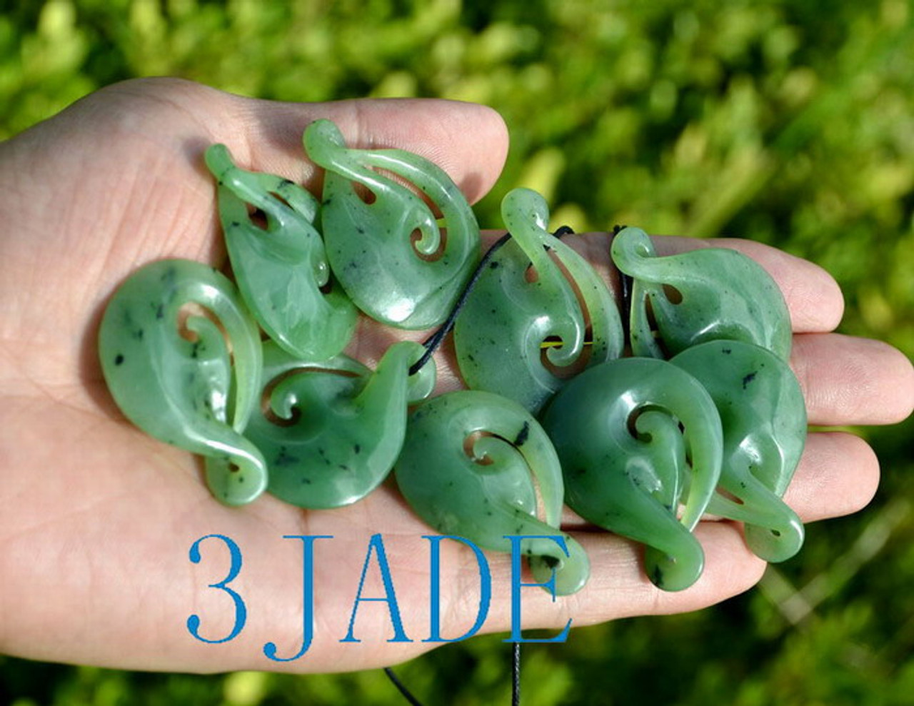 Green Nephrite Jade Twist Pendant Necklace Maori Design Greenstone Jewelry