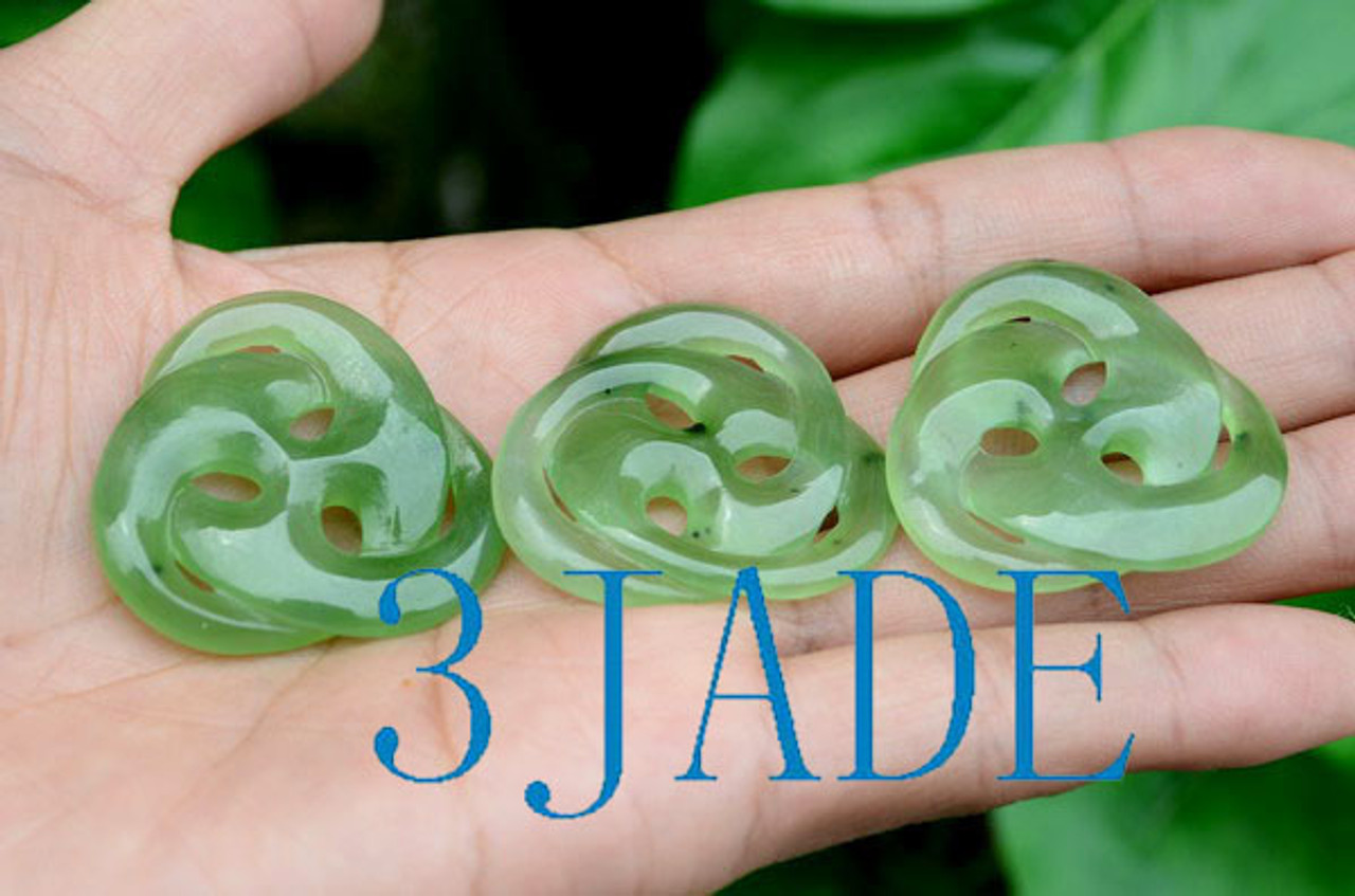 Green Jade Celtic Knot Pendant
