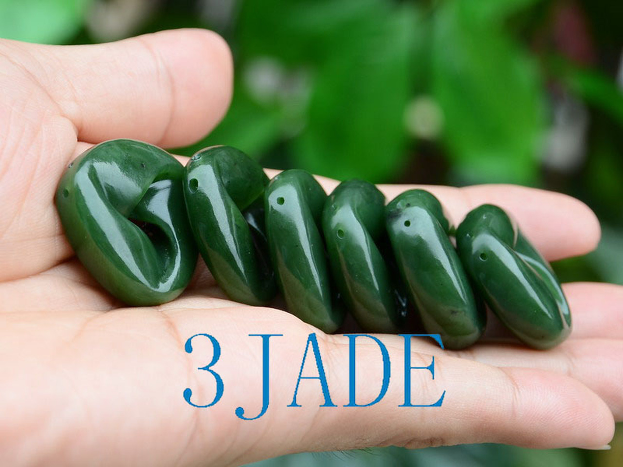 Hand Carved Green Nephrite Jade Moebius Band/Möbius Strip/Moebius Ribbon Pendant/Necklace