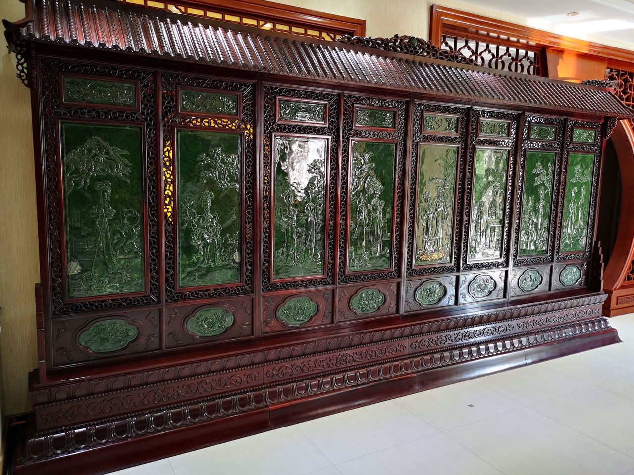 Large Spinach Jade Chinese Screen