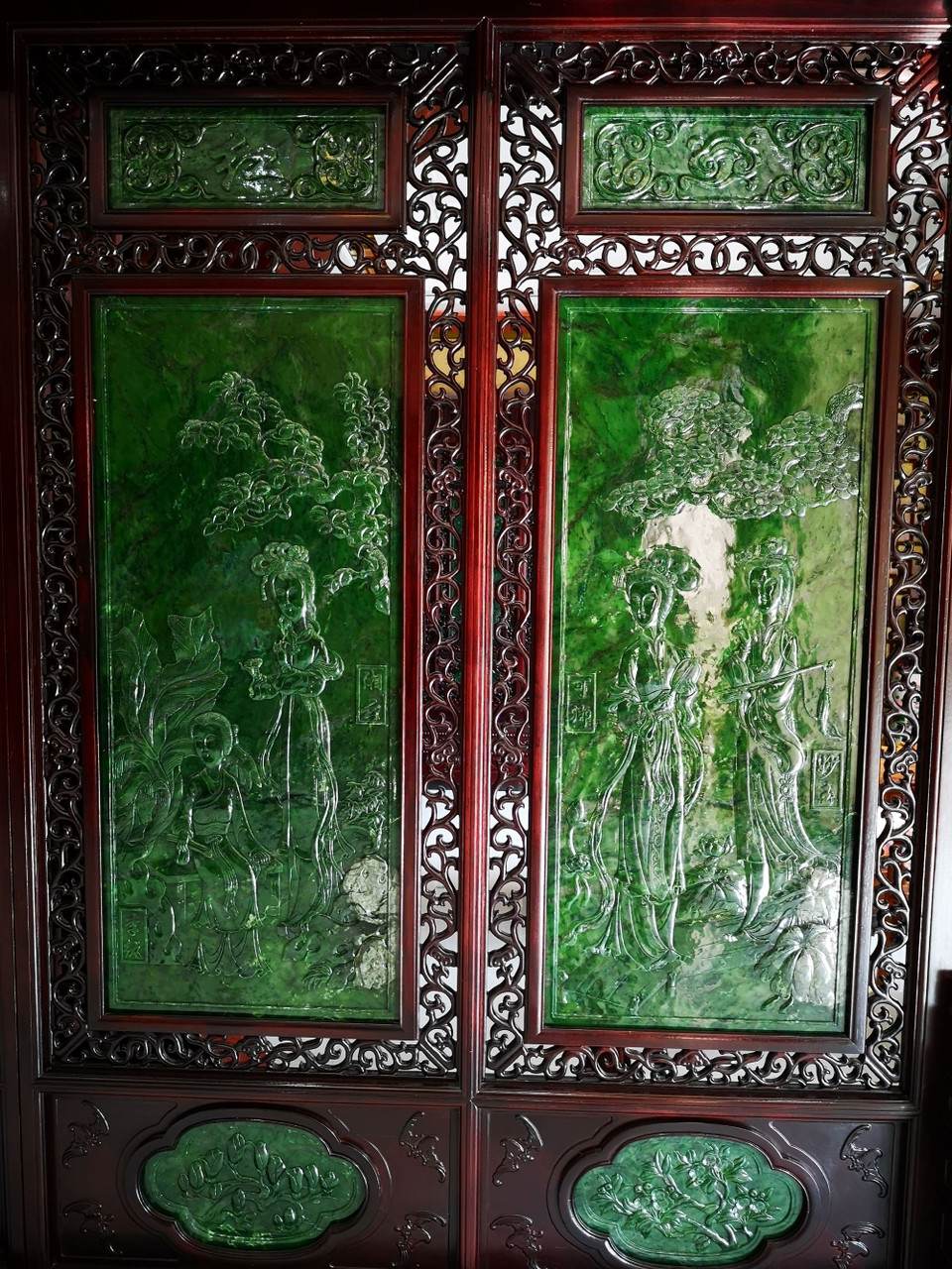 Green Nephrite Jade Chinese Screen