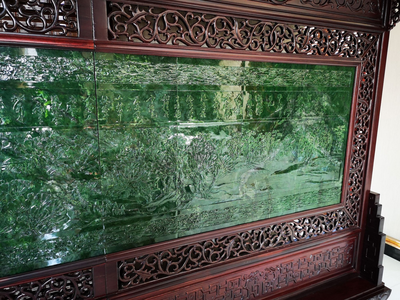 6.39m*2.36m Green Jade Rosewood Chinese Screen 碧玉屏风清明上河图 Along the River During the Qingming Festival