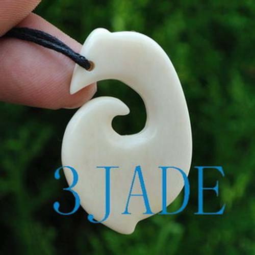 Hand Carved Bone Hook Hei Matau Amulet Pendant New Zealand Maori Style Carving