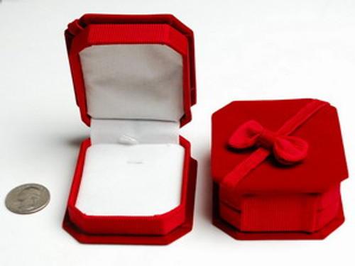 Red Velvet Jewelry / Pendant / Gift Box
