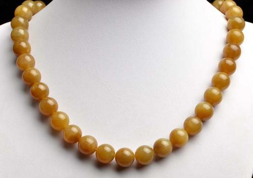 honey nephrite jade necklace