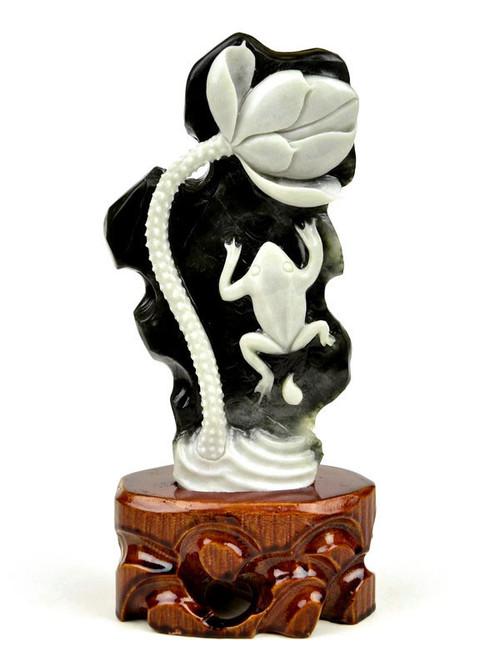 Dushan jade frog & lotus statue