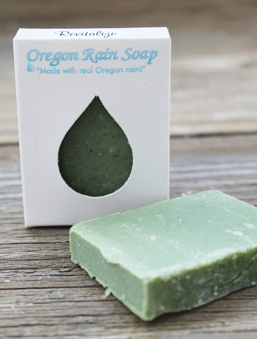 Naturally scented with essential oils Mild cleansing guest sized bar soap Made in Oregon, USA Spa-like