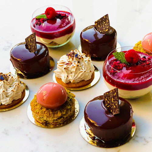 Dessert Box 9 Pieces (Mixed Selection)