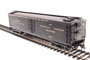 "BLI 1826 GACX 53'6"" Wood Express Reefer, CRI&P #4908, Pullman Green, HO"
