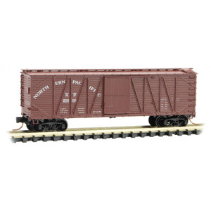 Micro-Trains 028 00 250 Northern Pacific NP 40' Outside Braced Box Car #20300 N scale