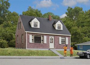 Walthers Cornerstone 933-3774 Cape Cod House Kit HO
