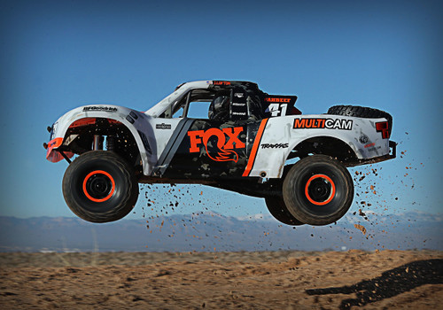 Traxxas 85076-4 Ultimate Desert Racer UDR 4x4 VXL Brushless Fox Body 1/10 Scale