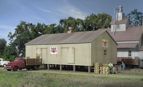 Walthers Cornerstone 933-3230 CO-OP Storage Shed N scale