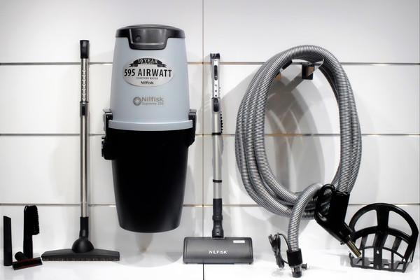 Nilfisk Supreme 150 Central Vacuum w/ Select Package - 107404978 + SE10M