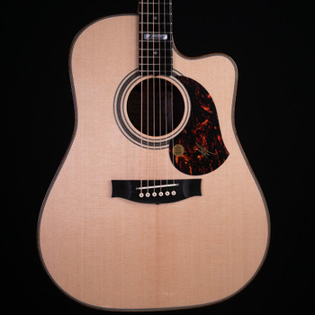 Maton Messiah EM100C Dreadnought w/ Cutaway - Natural