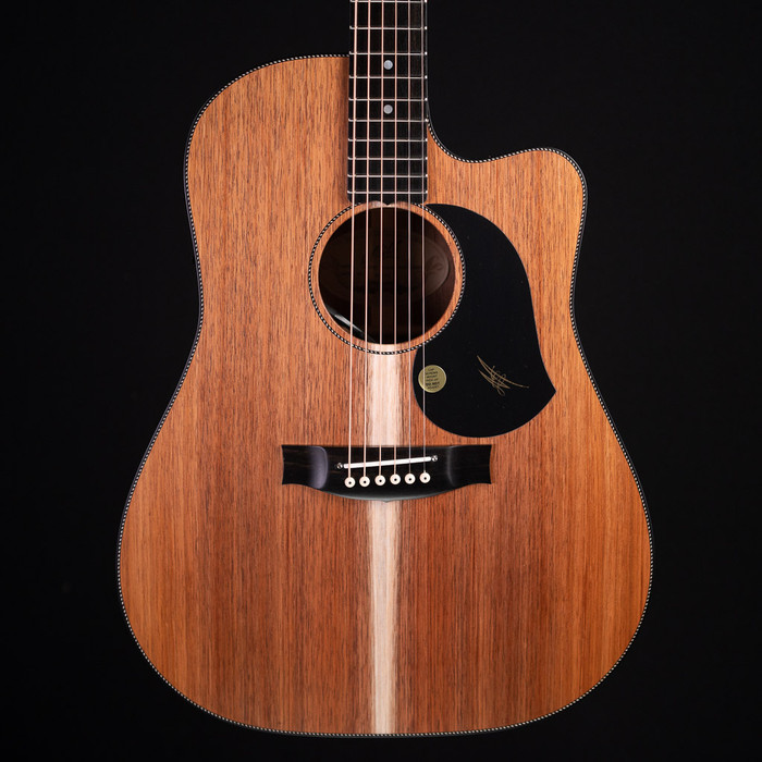 Maton EBW70C Dreadnought w/ Cutaway - Blackwood