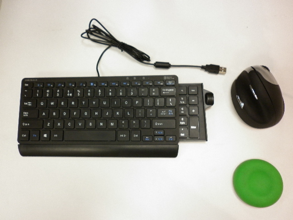 Keyboard Mini Posturite V2  wired with slide out numeric pad