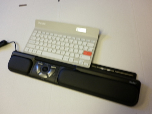 Wit compact Penclic keyboard