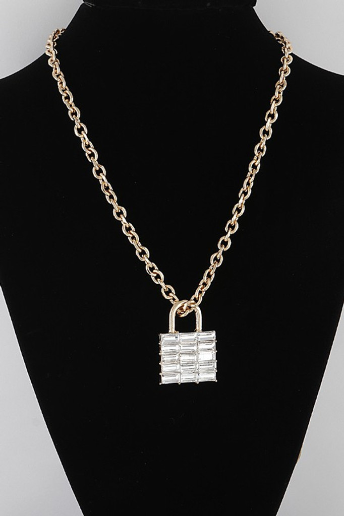 Jaden Gold Bulky Lock Pendant Chain Necklace