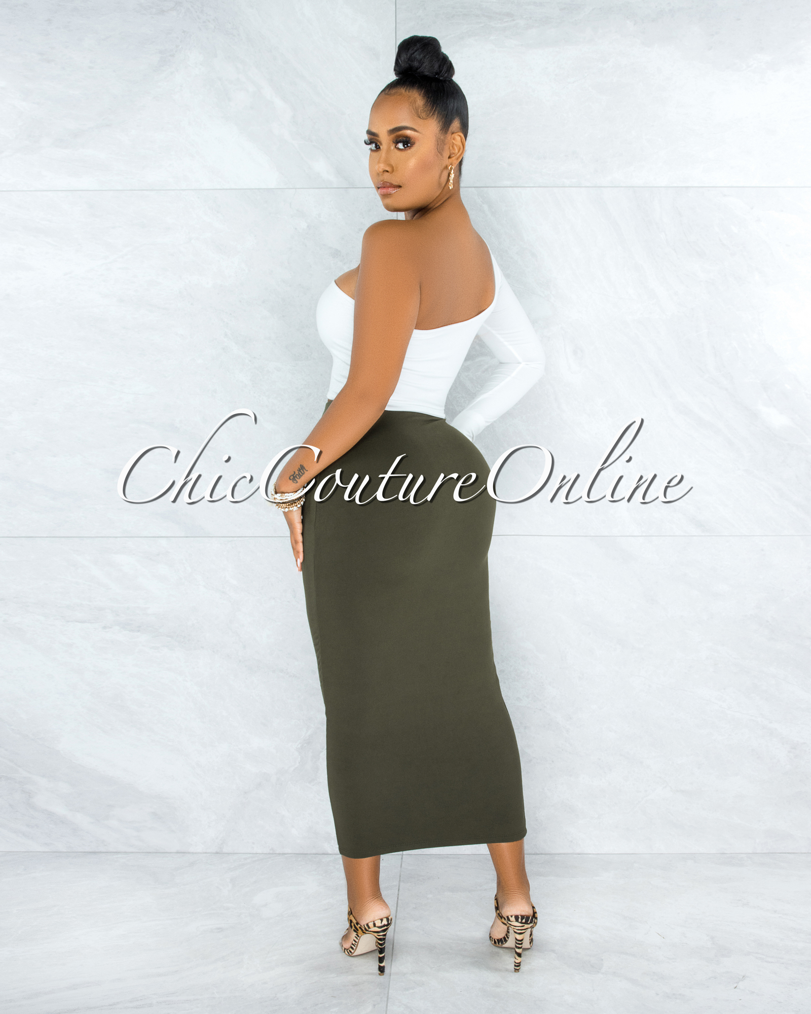 Doneva Olive Double Lined Pencil Maxi Skirt