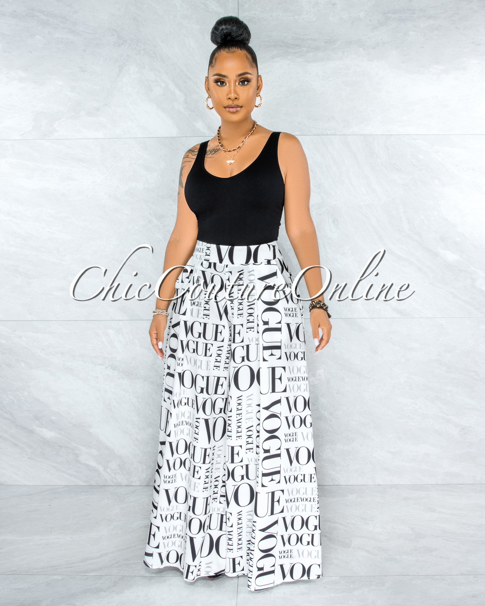 Nalia Off-White Black 'VOGUE' Print Pleated Wide Pants