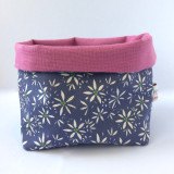 Poppy Treffry handmade small Sweet Allium storage pot.