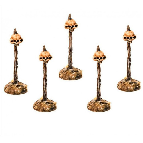 LLSF200 Alien Skulls on Spikes (5 figures)