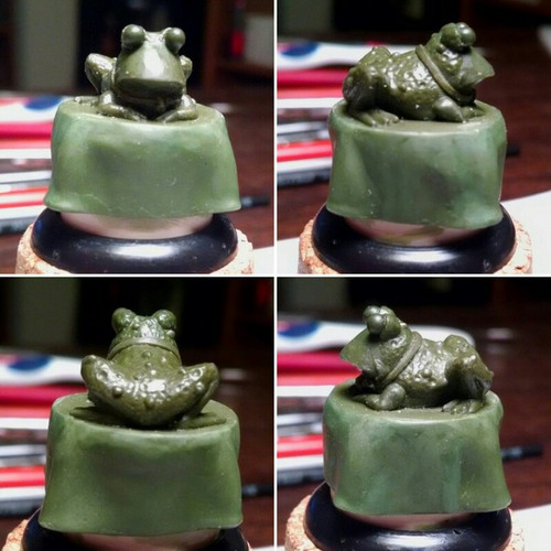 All Hail the Mesmofrog!