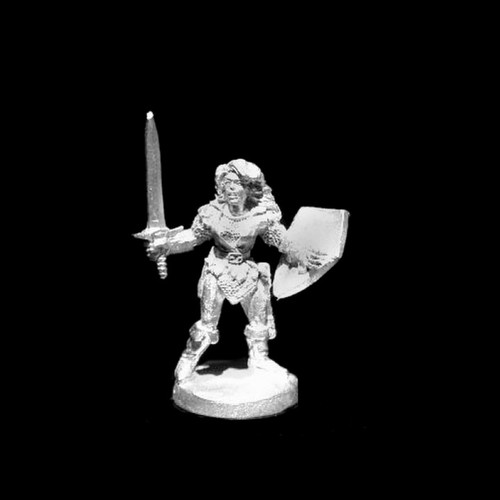 LL20503 Swordswoman